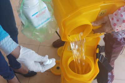 Vệ sinh, phun khử khuẩn trường lớp phòng, chống dịch bệnh