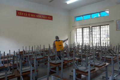 Học sinh đi học trở lại sau thời gian nghỉ học phòng, chống dịch Covid-19